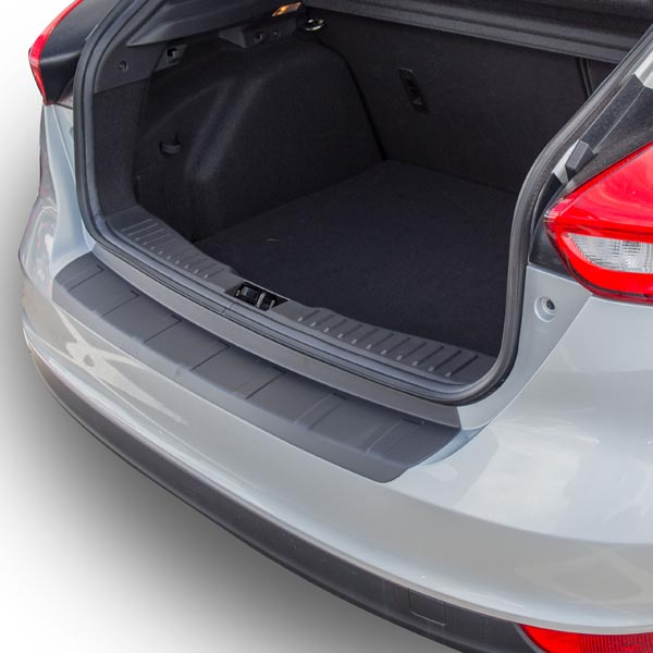 Travall® Protector-Plastica rivestita per Ford Focus 5 Porte Hatchback (2014 >)